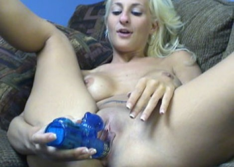Angelina fucks her blue vibrator